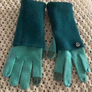 Lululemon Layered Tech Gloves, worn twice